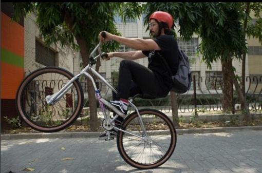 GT wheelie